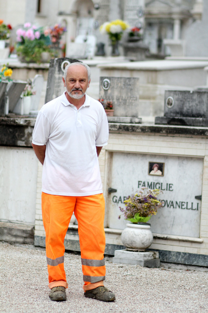 Caretaker Romano Polidori begins his workday at the Cagli cemetery on July 4, 2013. Photo by Kaitlin Thornal / Gonzaga in Cagli